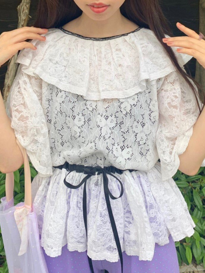 white lace × black ribbon peplum tops