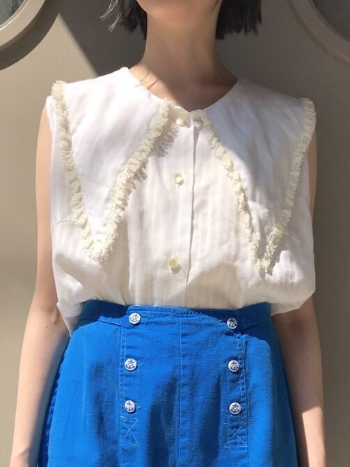 【SALE】 triangle collar blouse