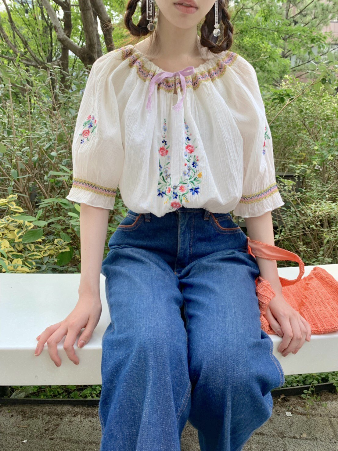 【SALE】floral embroidery mini tops