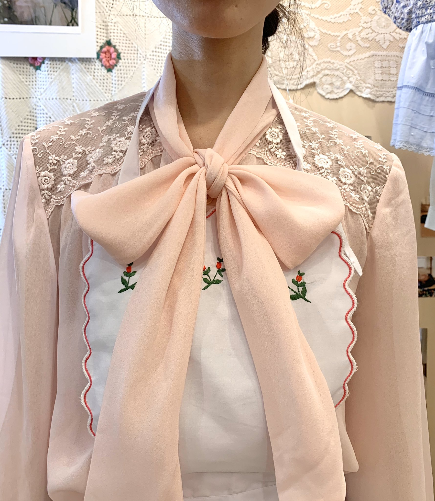 pink  flower ribbon blouse