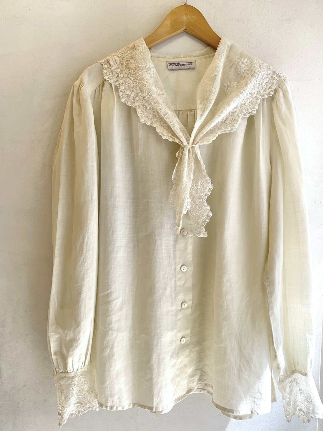 1.lace sailor blouse