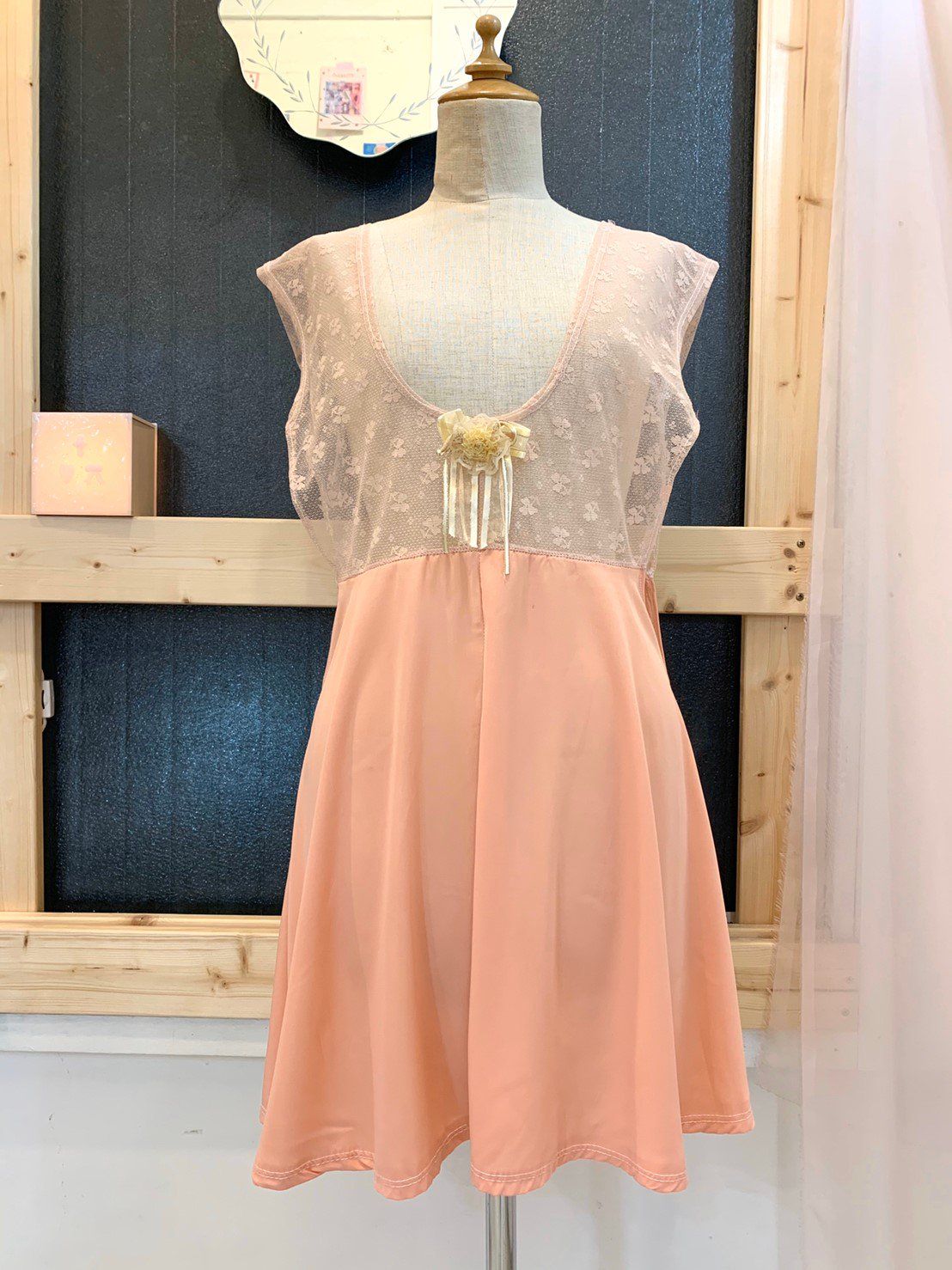 26.salmon pink lace onepiece