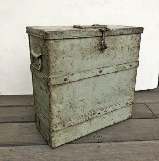 【VINTAGE FAIR!!】アイアン ビンテージ コンテナ— 蓋付きボックス H390mm 送料無料 (UBX-113)