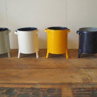 【再入荷】ポットカバー 脚付き 鉢カバー / ブリキ リサイクル素材 4色