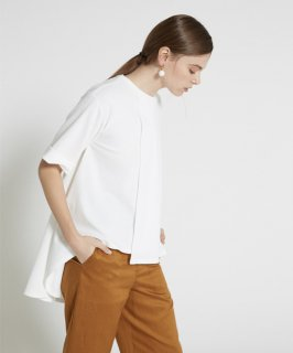 FRONT SWUND OUT WIDE CUT TEE
