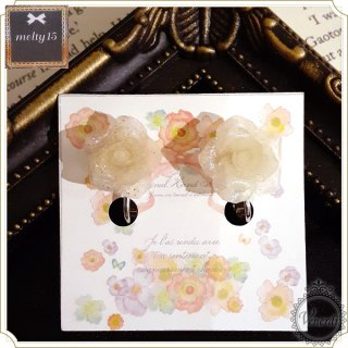 <img class='new_mark_img1' src='//img.shop-pro.jp/img/new/icons14.gif' style='border:none;display:inline;margin:0px;padding:0px;width:auto;' />薔薇イヤリング ラメクリア
