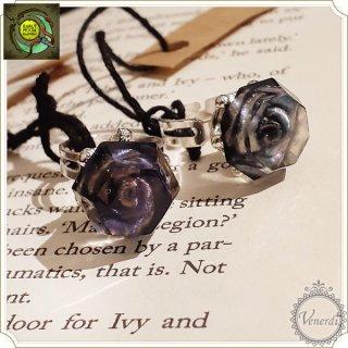 黒薔薇姫の指輪 ダイヤ/シルバー