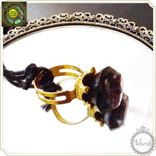 黒薔薇姫の指輪 ダイヤ/ゴールド