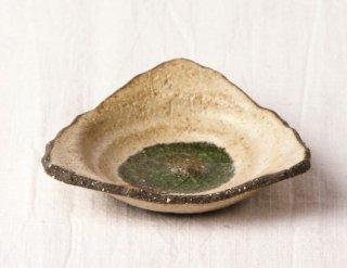 WP23 小皿(黄土色・底緑・三角)
