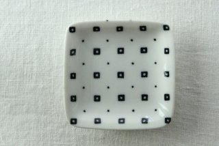 WP811 和皿/四角(白)・豆絞り