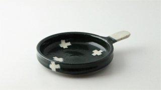 WP897 和皿/丸(白×緑)・丹波焼・十字・取っ手付き