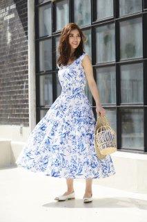 ボタニカルプリントドレス
