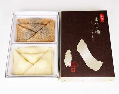 チョコ入り生八ッ橋(チョコ・ホワイトチョコクリーム詰合せ)1箱 各4個入り