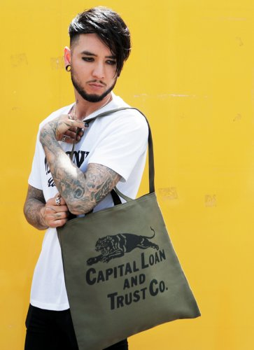CAPITAL LOAN TRUST CO. TOTEBAG