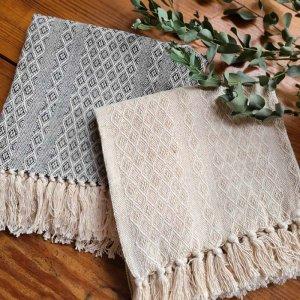 ジャガード織りマルチカバー・テーブルクロス・正方形・幾何学模様