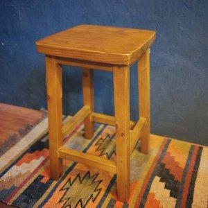 スツール・四角椅子・レトロデザイン椅子