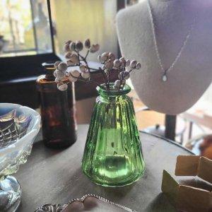 グリーン・フラスコ・ガラスフラワーベース
