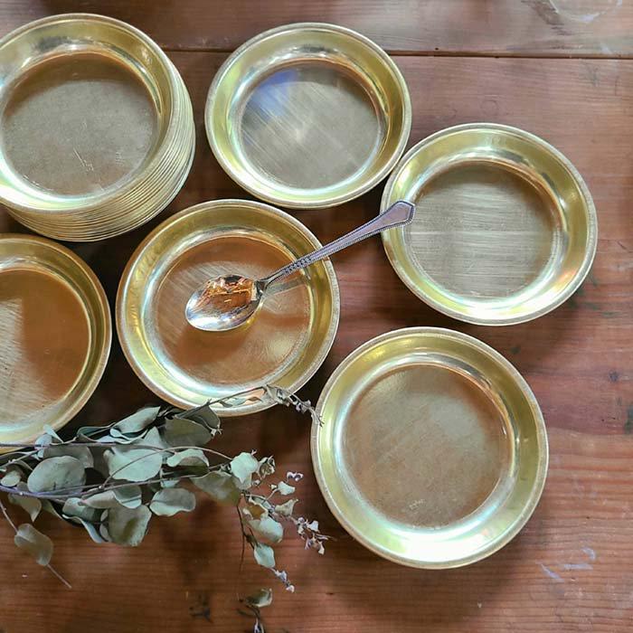 昭和レトロ・アルマイト・給食食器皿・ゴールド・アルミ皿・プレート メインイメージ