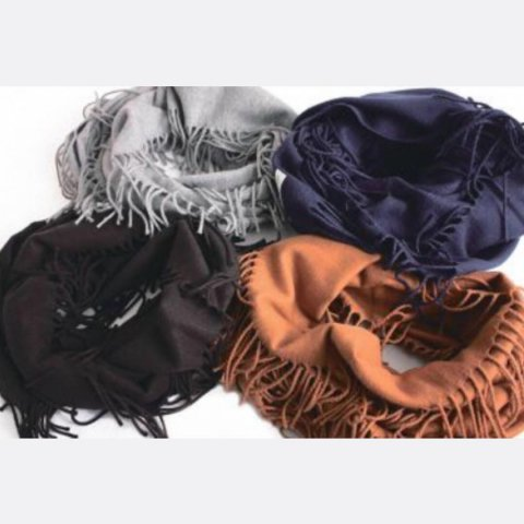 "ISLAND KNIT WORKS ""Fringe Snood"""