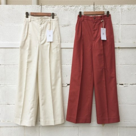 "RUMBLE RED ""Military Chinos"""