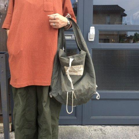 """PUEBCO """"Vintage Parachute Square Bag"""""""