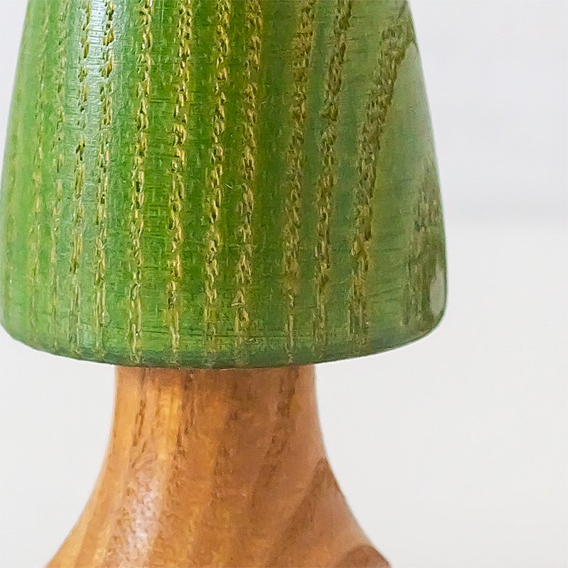 Hartmut Hennig ヘニッヒ 緑の木 幹付き 9cm