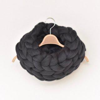 肌にやさしい幸せな天然素材、メリノウールのモコモコスヌード(ブラック)/SACHE
