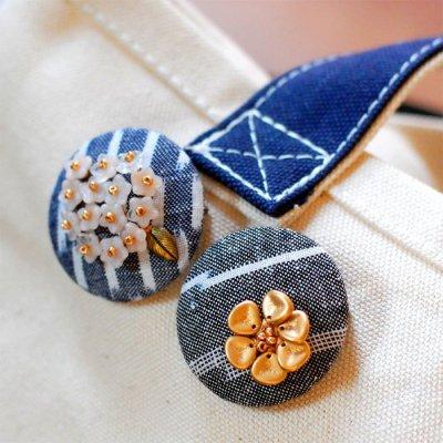 nijiiro works(ニジイロワークス) 久留米絣の生地を使ったお洒落なブローチ