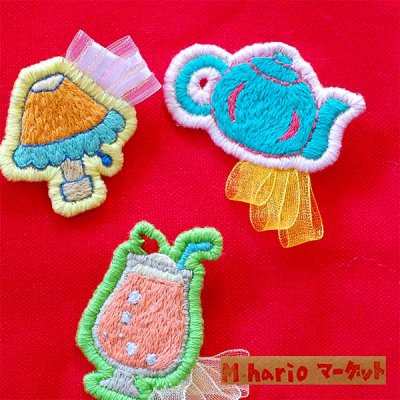 M hario マーケット(エムハリオマーケット) 刺繍ブローチ