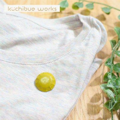 kuchibueworks(クチブエワークス) 陶器ブローチ 落ち着いた色合いの陶器ブローチ