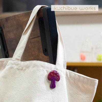 kuchibueworks(クチブエワークス) 陶器ブローチ きのこの可愛い陶器ブローチ