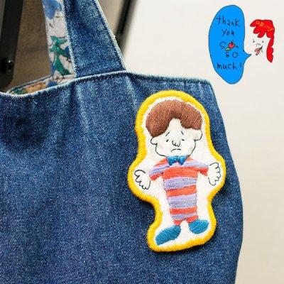 uRiiiy(ウリ) カラフルで可愛い 刺繍 ブローチ  刺繍ブローチシリーズの抱きしめてtonightぼうやブローチ