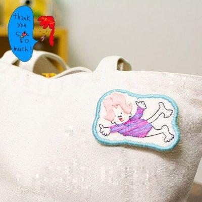 uRiiiy(ウリ) カラフルで可愛い 刺繍 ブローチ  刺繍ブローチシリーズの空もとべるよレオタード夫人ブロー