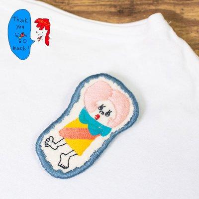 uRiiiy(ウリ) カラフルで可愛い 刺繍 ブローチ  刺繍ブローチシリーズのモンローさんお出かけブローチ