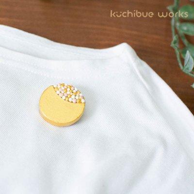kuchibueworks(クチブエワークス) つぶつぶお花陶器ブローチ お洋服やバッグのワンポイントとして