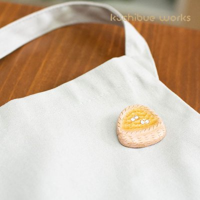 kuchibueworks(クチブエワークス) かごちょうちょ陶器ブローチ お洋服やバッグのワンポイントとして