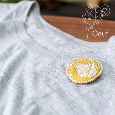 Oeuf(ウフ) リバティラウンドブローチ お洋服やバッグのワンポイントとして