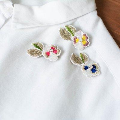 mia(みあ) 刺繍ブローチ 洋服やバッグのアクセントとして使えるブローチ