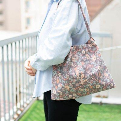 HANA(ハナ) 花柄肩掛けバッグ 落ち着いたカラーの肩掛けバッグ