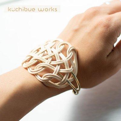 kuchibueworks(クチブエワークス) 軽くて丈夫な素材のリーフラタンバングル 軽くて丈夫な素材のリーフラタ