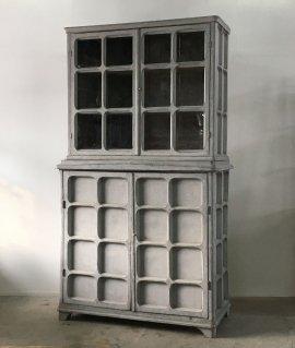 Gusutabian style Cabinet