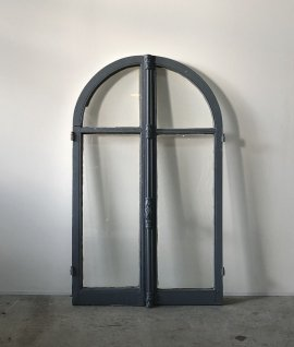 French arch window