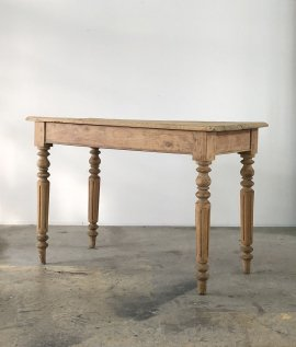 French Bistoro Table
