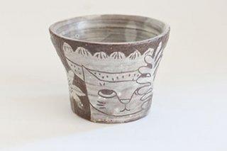 赤土掻き落としカップ(平野照子)