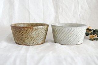 ナナメしのぎ鉢/もえぎ(伊藤豊)