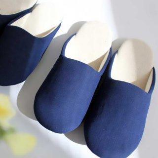 徳島伝統の藍染生地を甲部分に使ったスリッパ MサイズLサイズ (価格はMサイズのものです)