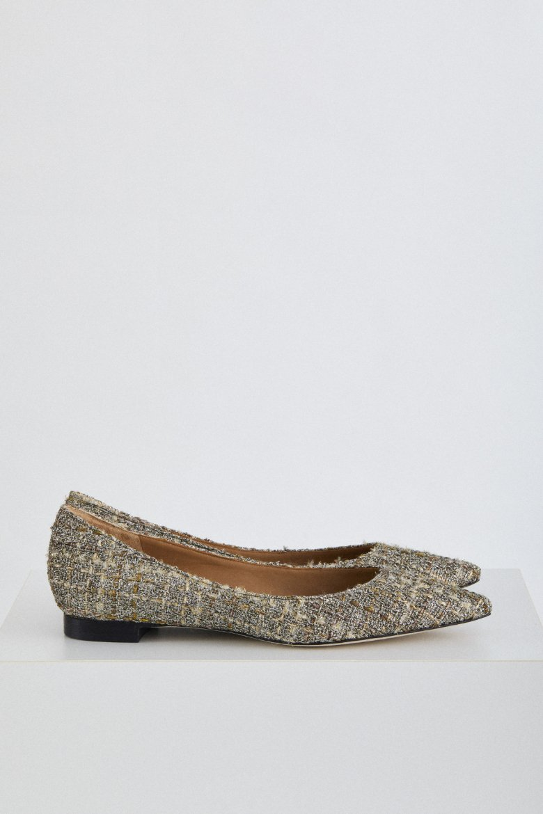 THE FLAT POINTED(PAVE)