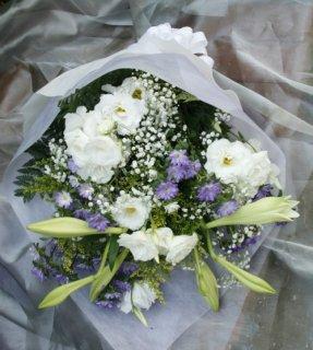 白と紫のお供え花束