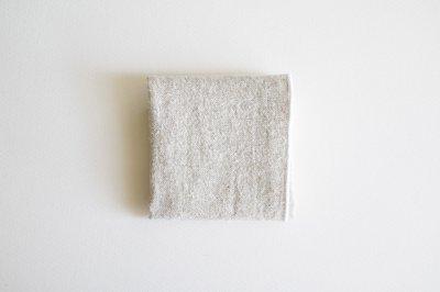 atelier une place シルクリネンハンカチ〈ホワイト〉