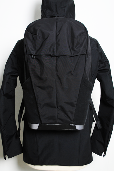 <img class='new_mark_img1' src='//img.shop-pro.jp/img/new/icons2.gif' style='border:none;display:inline;margin:0px;padding:0px;width:auto;' />25 LITRE SOFTSHELL DAYPACK
